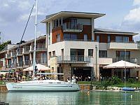 Hotel Silveiner Resort - 4-Sterne Wellnesshotel in Balatonfured Hotel Silverine Lake Resort Balatonfüred - Wellnesshotel direkt am Plattensee - Balatonfüred
