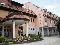 Thermal Hotel Aqua *** - billiges 3-Sterne-Hotel im Herzen von Mosonmagyarovar Thermal Hotel Aqua Mosonmagyarovar - Billiges Hotel in Mosonmagyarovar im Gebiet des Kur- und Thermalbades - Mosonmagyarovar